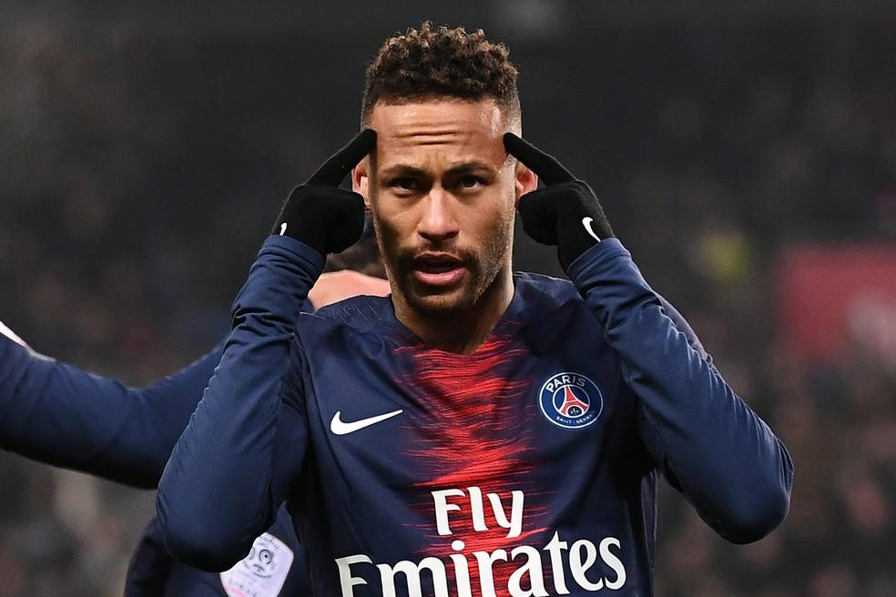 Neymar já tem quase 350 gols em jogos profissionais na carreira — Foto: Anne-Christine Poujoulat/AFP