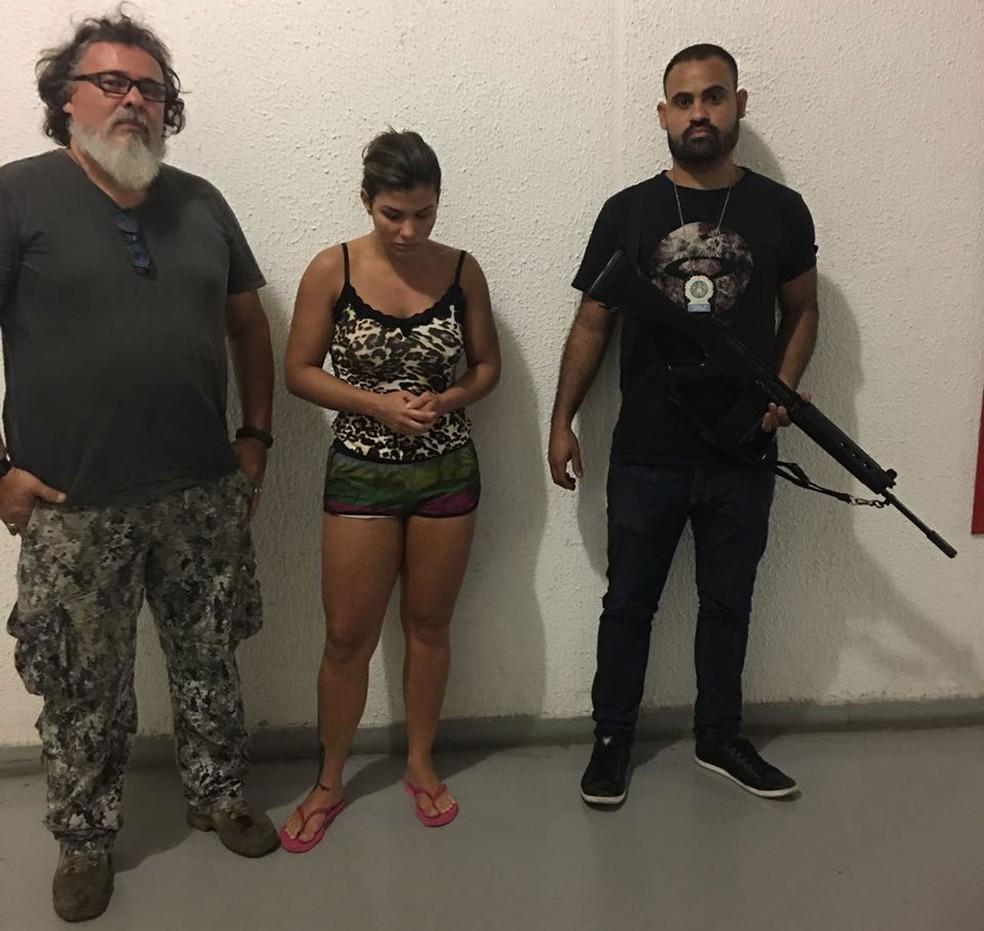 Danúbia, mulher de Nem, foi levada para a Cidade da Polícia (Foto: Reprodução)