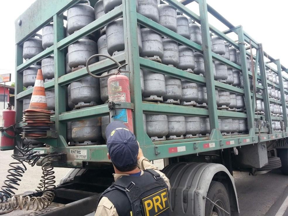 Polícia Rodoviária Federal é responsável por fiscalização de cargas em Pernambuco (Foto: Divulgação/PRF)