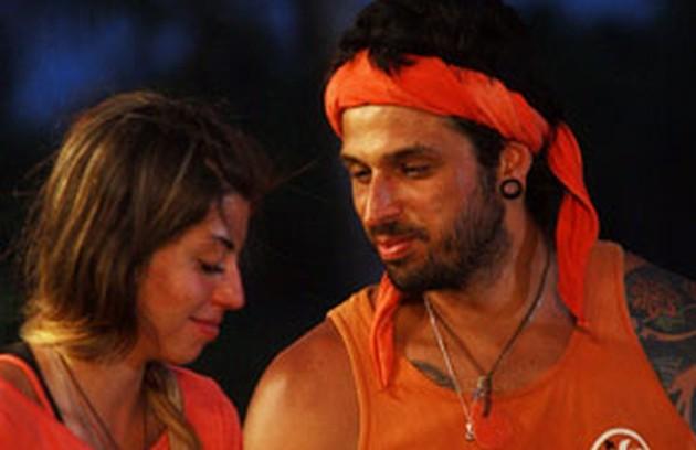 Em 2009, Jéssica e Rafão se apaixonaram e trocaram alianças de cipó. Fora do programa, ficaram casados por cinco anos (Foto: Reprodução)