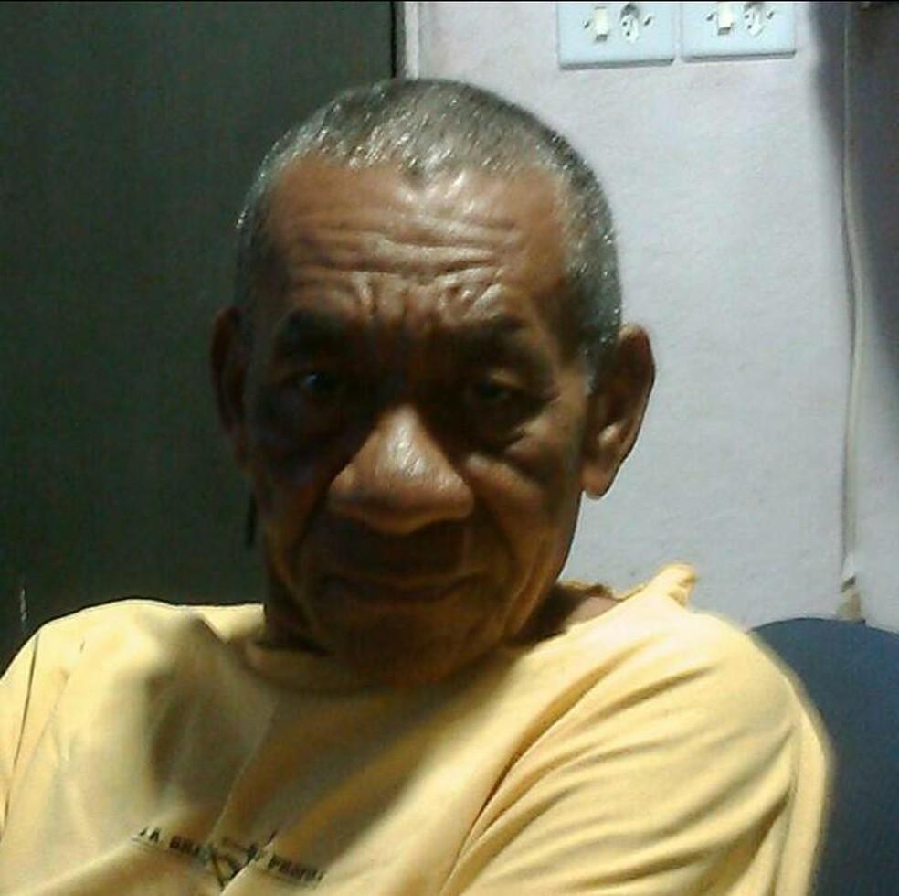 Valdemar Rufino Machado, de 69 anos, foi encontrado morto enterrado em canteiro de obras onde trabalhava — Foto: Polícia Civil/Divulgação