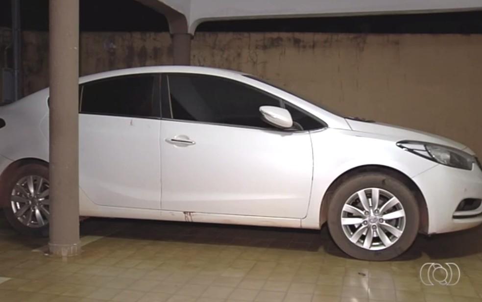 Vanessa estava com a família no carro quanto foi assassinada (Foto: Reprodução/ TV Anhanguera)