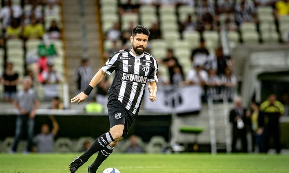 Ricardinho negocia com o Botafogo — Foto: Stephan Eilert /cearasc.com