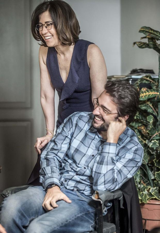 Fernanda Torrs e Humberto Carrão são Renata e Henrique em nova temporada de Sob Pressão (Foto: Maurício Fidalgo/TV Globo)