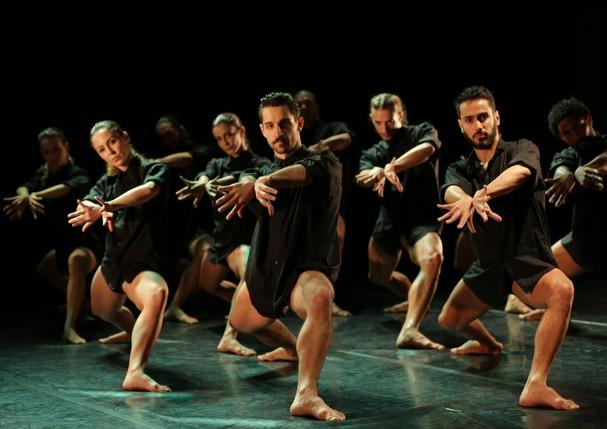 Balletto apresenta coleção com Theatro Municipal como pano de fundo (Foto: Reprodução )