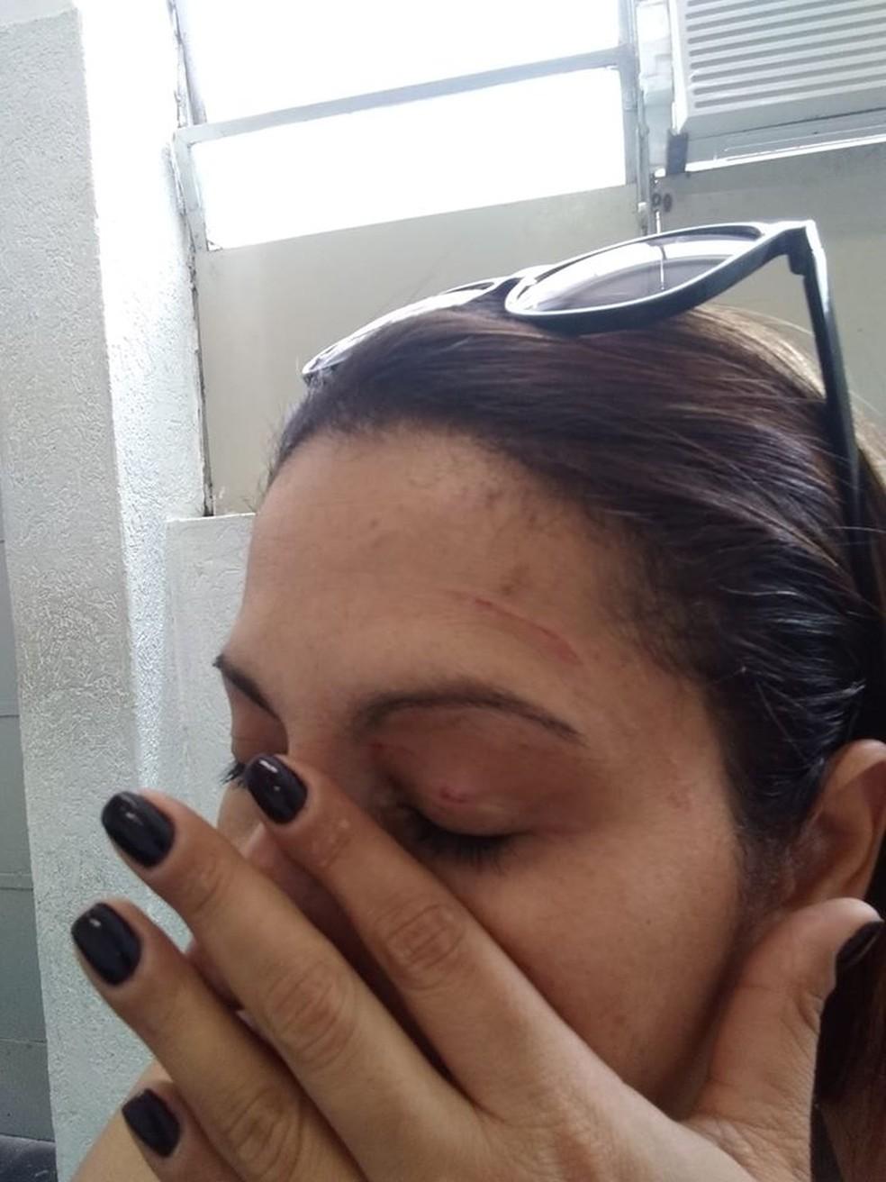 Renata foi conduzida ao Hospital Municipal de São Vicente, SP, e registrou boletim de ocorrência após o ocorrido — Foto: Arquivo pessoal
