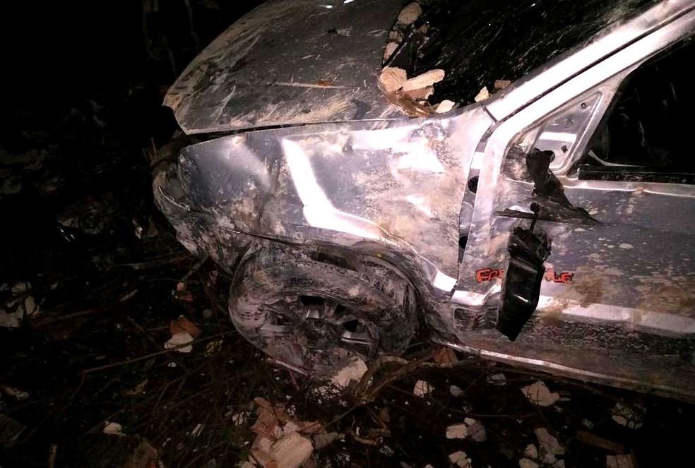 A artista perdeu o controle do veículo e colidiu em um muro — Foto: Divulgação