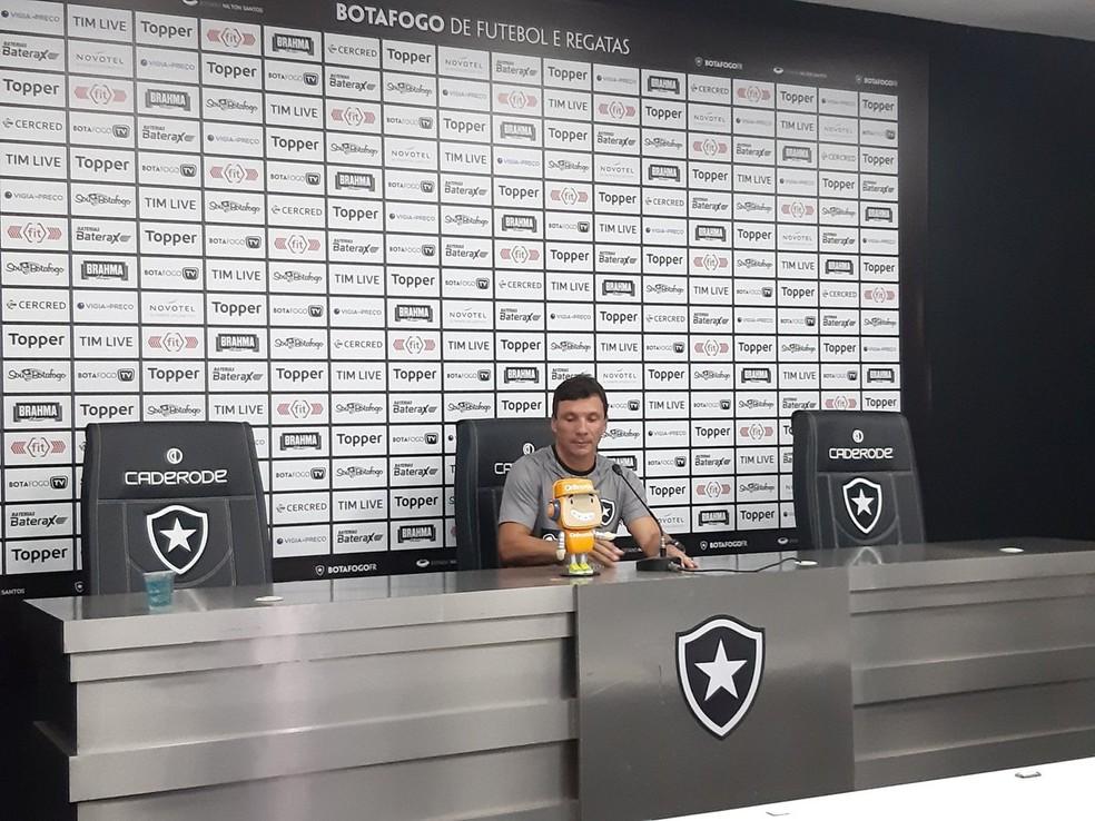 Zé Ricardo, Botafogo — Foto: Emanuelle Ribeiro