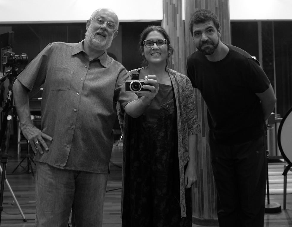 Teco Cardoso (sax e flauta), Mônica Salmaso (voz) e André Mehmari (piano) — Foto: Divulgação