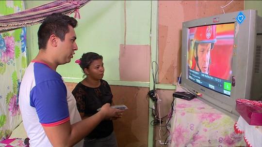 Patrulha digital ajuda ribeirinhos a trocar sinal de TV analógico no AM