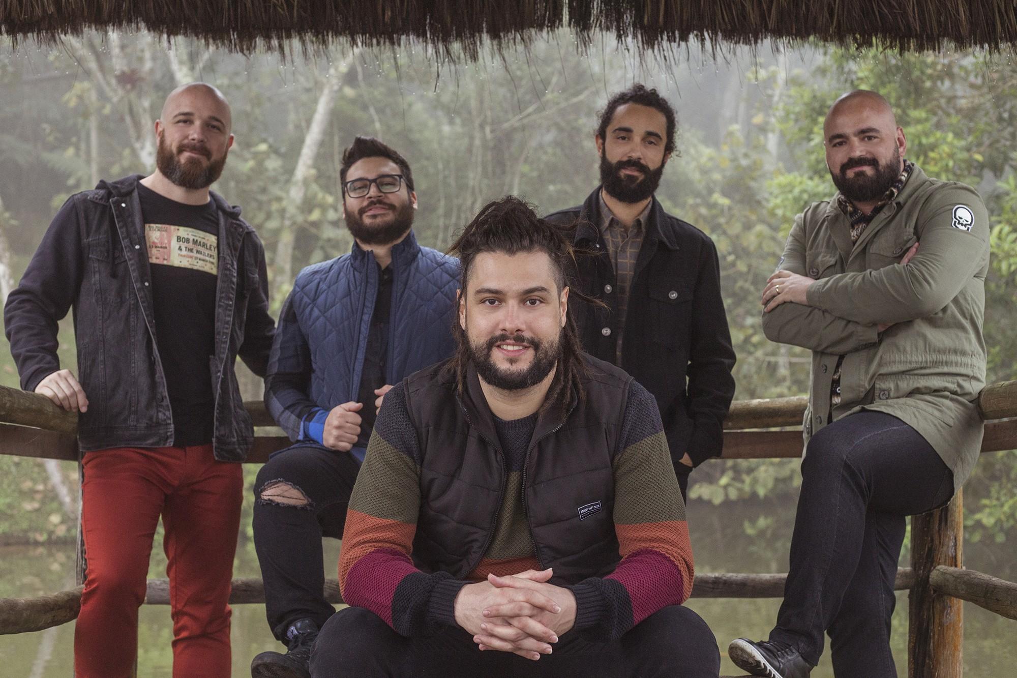 Maneva grava shows pelo Brasil para celebrar 15 anos em cena