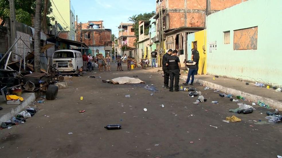 Duas pessoas foram mortas em baile clandestino no bairro Primeiro de Maio, em Vila Velha — Foto: Reprodução/TV Gazeta