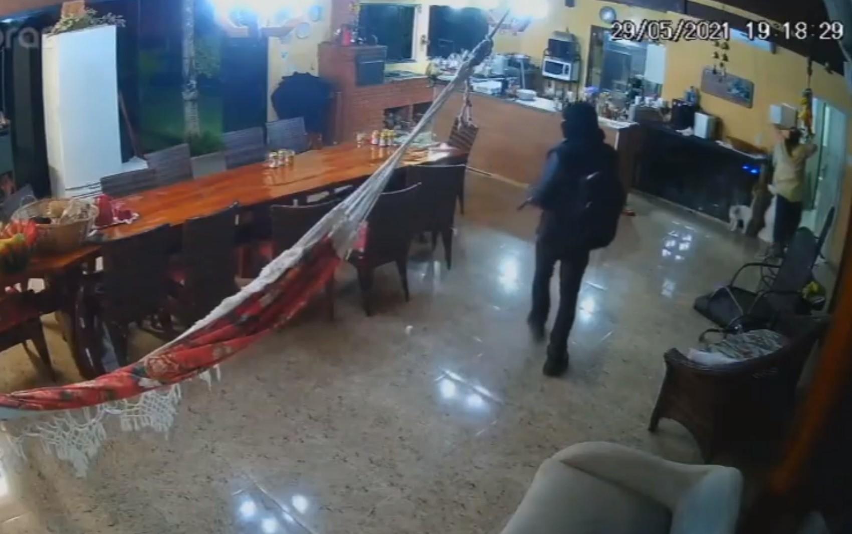 Lázaro é suspeito de roubar família e atirar em chácara de Cocalzinho de Goiás antes de chacina em Ceilândia; vídeo