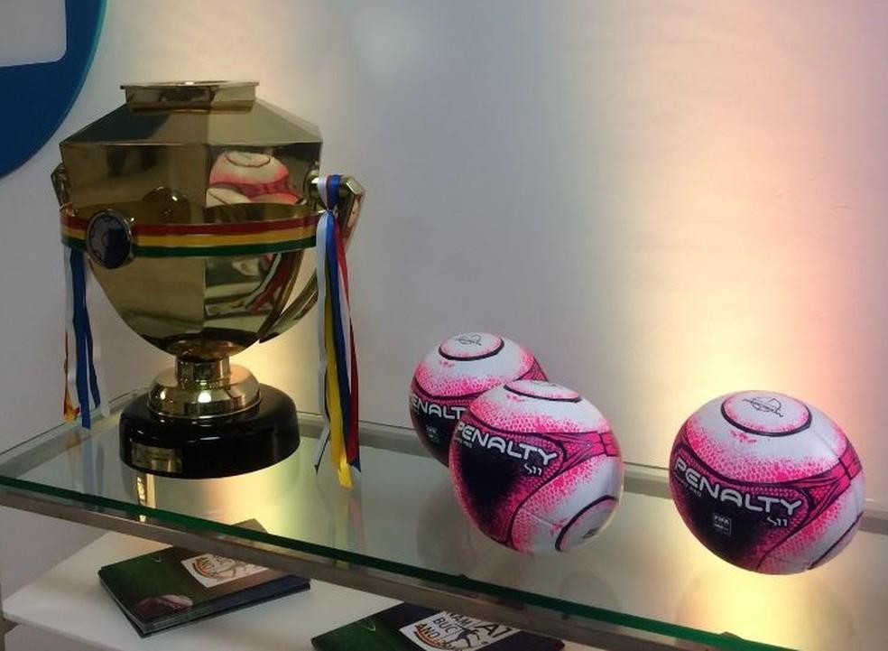 Campeonato Pernambucano começa a ser disputado nesta quarta-feira (Foto: Lucas Liausu)