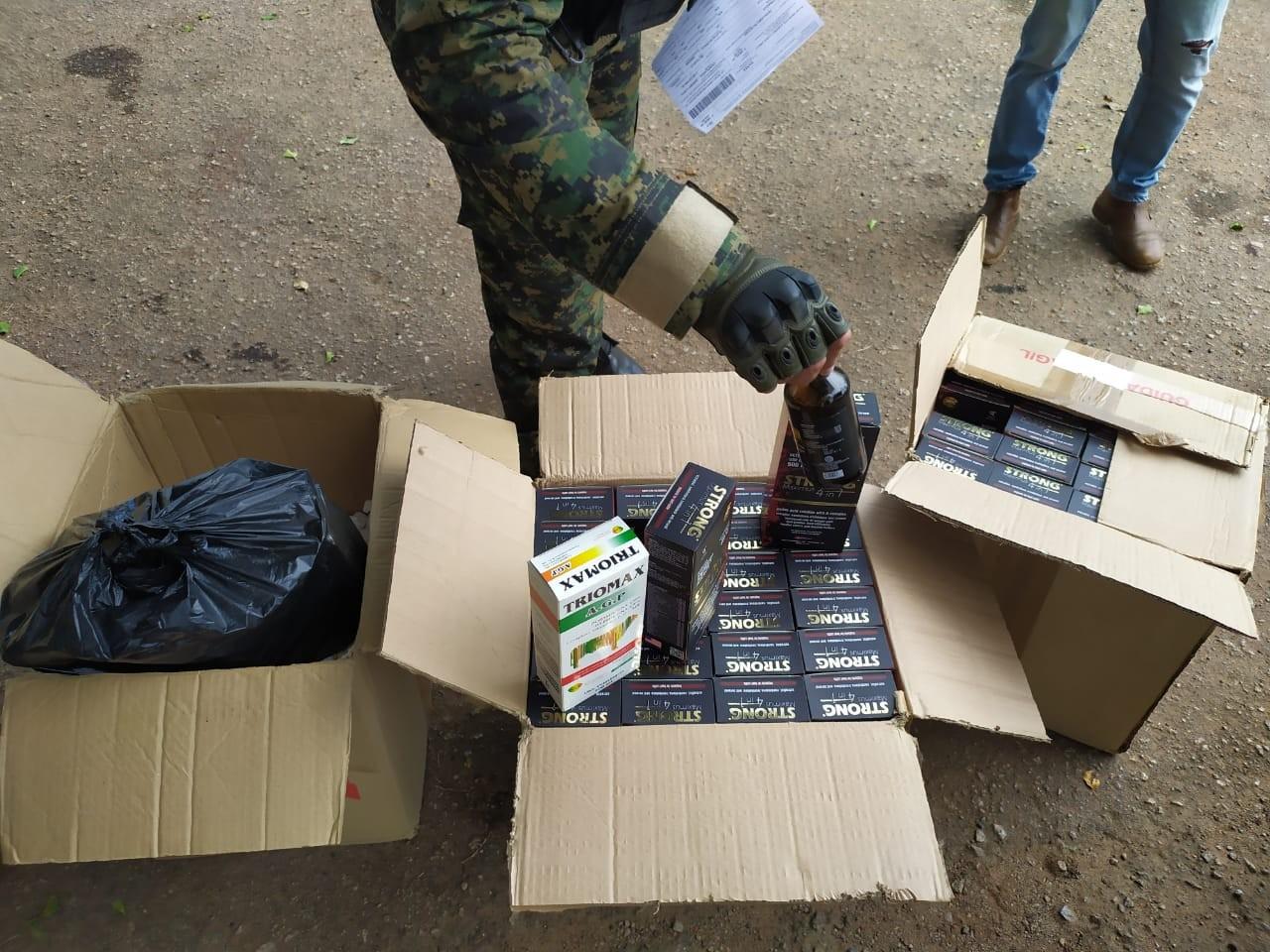 Taxistas é preso em rodovia no AC com caixas de anabolizantes  - Notícias - Plantão Diário