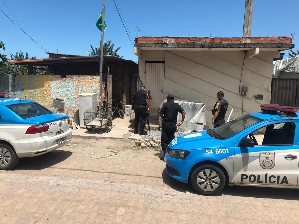 Vítimas foram baleadas na esquina entre as ruas W12 e W15 — Foto: Divulgação/Polícia Militar