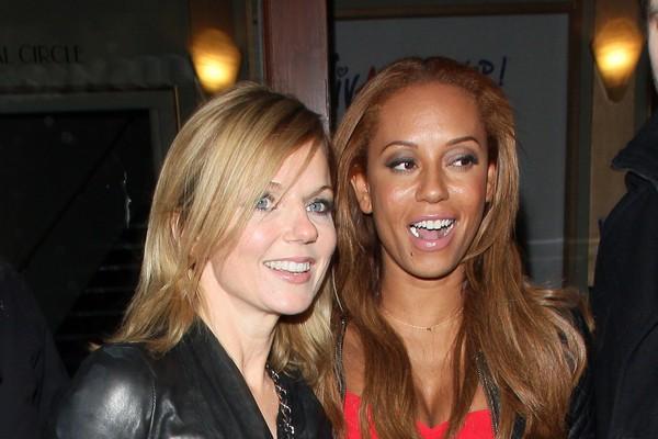 As Spice Girls Geri Halliwell e Mel B em foto de 2013 (Foto: Getty Images)
