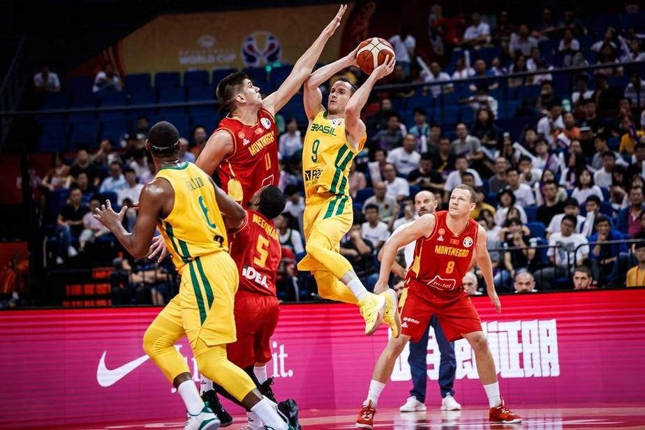Huertas e Felício vão bem, Brasil derruba Montenegro e vai 100% para 2ª fase da Copa do Mundo