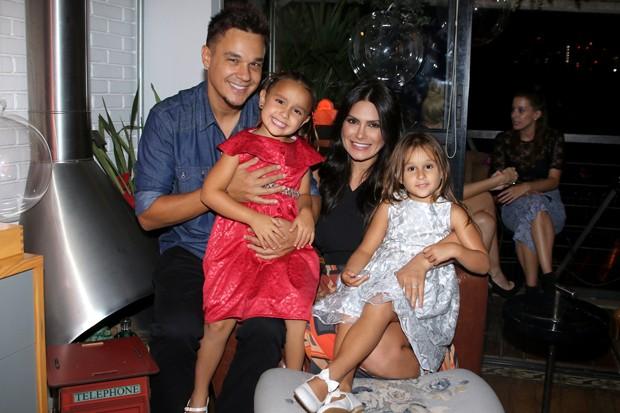 Leandro, Maya, Kiara e Natália Guimarães (Foto: Thiago Duran/AgNews)