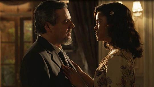 'Tempo de Amar': Reinaldo beija Eunice