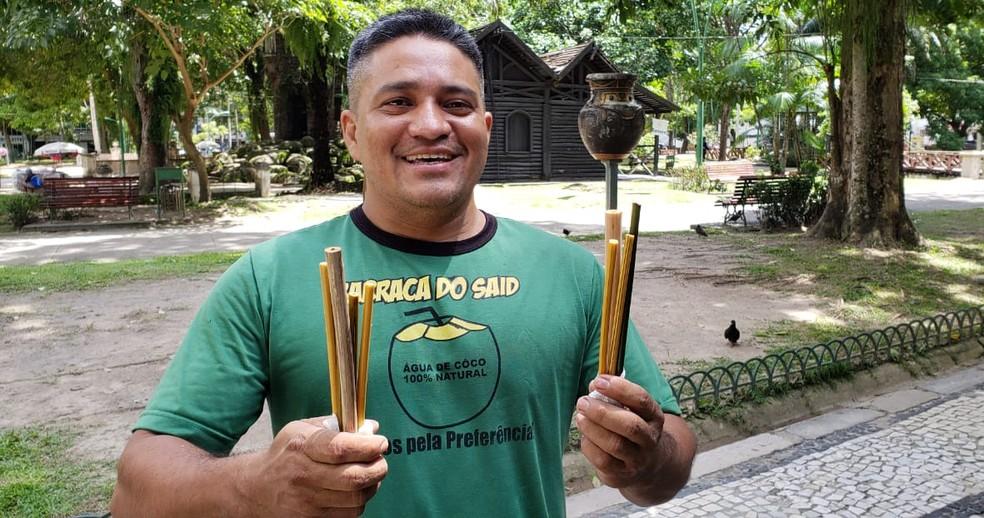 Vendas na barraca aumentaram mais de 60% depois dos canudos de bambu — Foto: Reprodução/TV Liberal