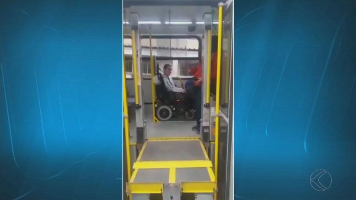 Resultado de imagem para Família do estudante gravou vídeos flagrando os problemas nas rampas dos ônibus urbanos em Juiz de Fora