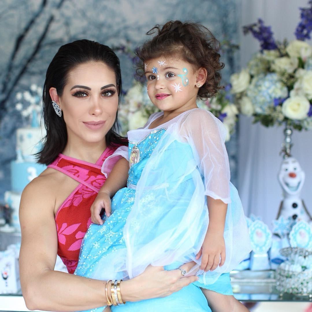 Bella Falconi e Victoria (Foto: Reprodução/Instagram)