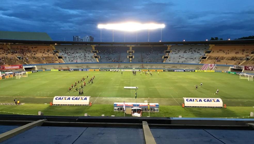 Vila Nova e Aparecidense jogam no Serra nesta terça (Foto: Fernando Vasconcelos/GloboEsporte.com)