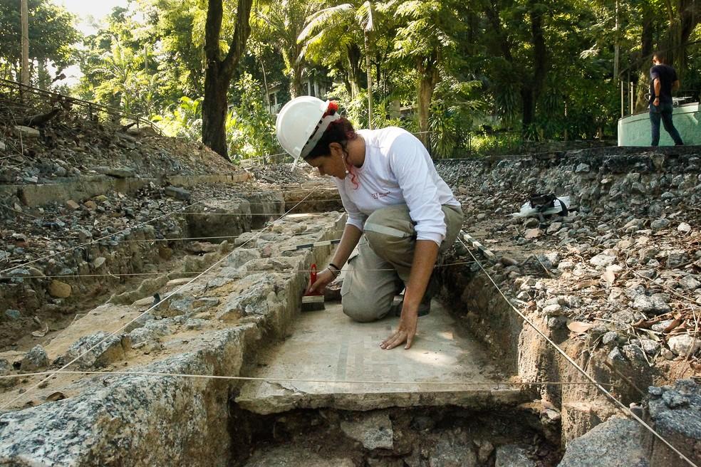 Resultado de imagem para Mais de 30 mil peças do passado da Família Imperial são encontradas durante obras no RioZoo