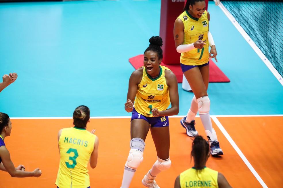 Fabiana foi um dos destaques do Brasil na vitória — Foto: Divulgação/FIVB