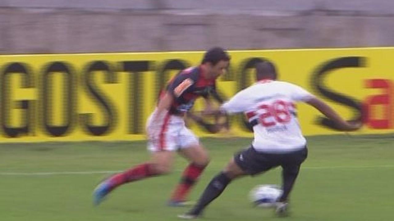 Em 2010, o São Paulo visitou o Flamengo e empatou por 1 a 1
