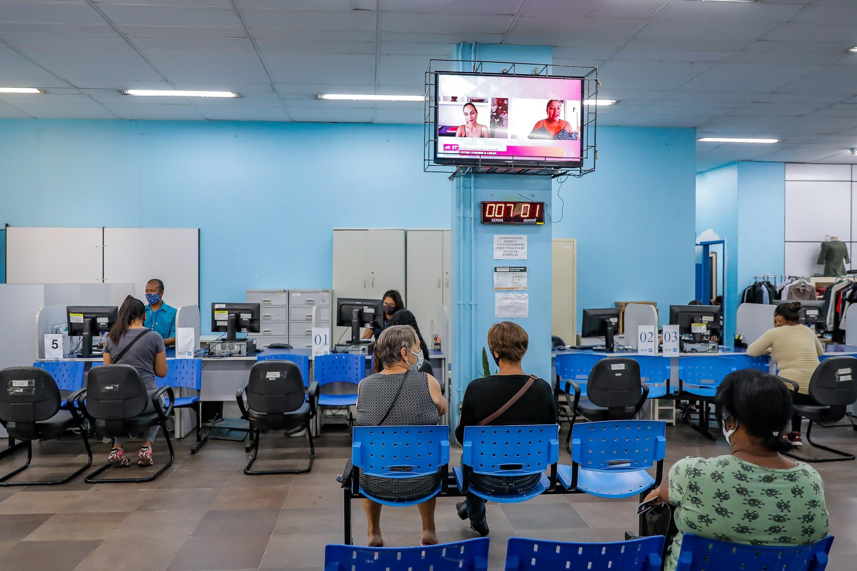 Imigrantes têm atendimento preferencial no Sine de Porto Alegre nas quintas-feiras