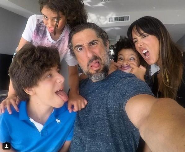 Marcos Mion com os filhos e esposa (Foto: Reprodução Instagram)