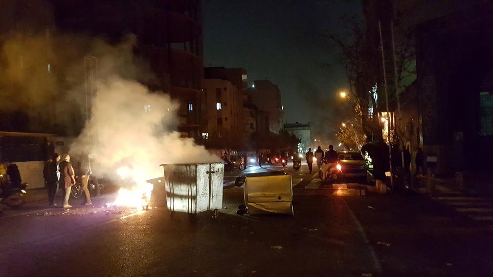 Terceiro dia de protestos no Irã (Foto: Reuters)