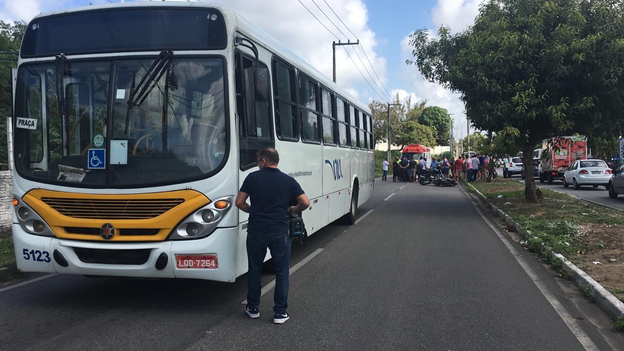 Motociclista morre em acidente com ônibus na Zona Sul de Natal - Notícias - Plantão Diário