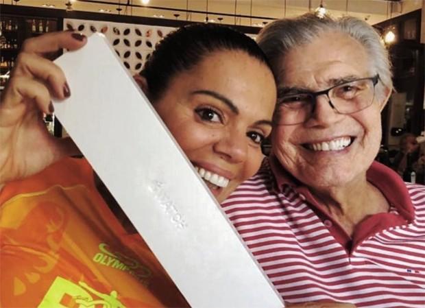 Mocita com Tarcísio Meira (Foto: Reprodução/Instagram)