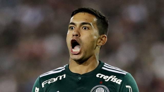 No segundo tempo, Dudu vibra com o segundo gol do Palmeiras