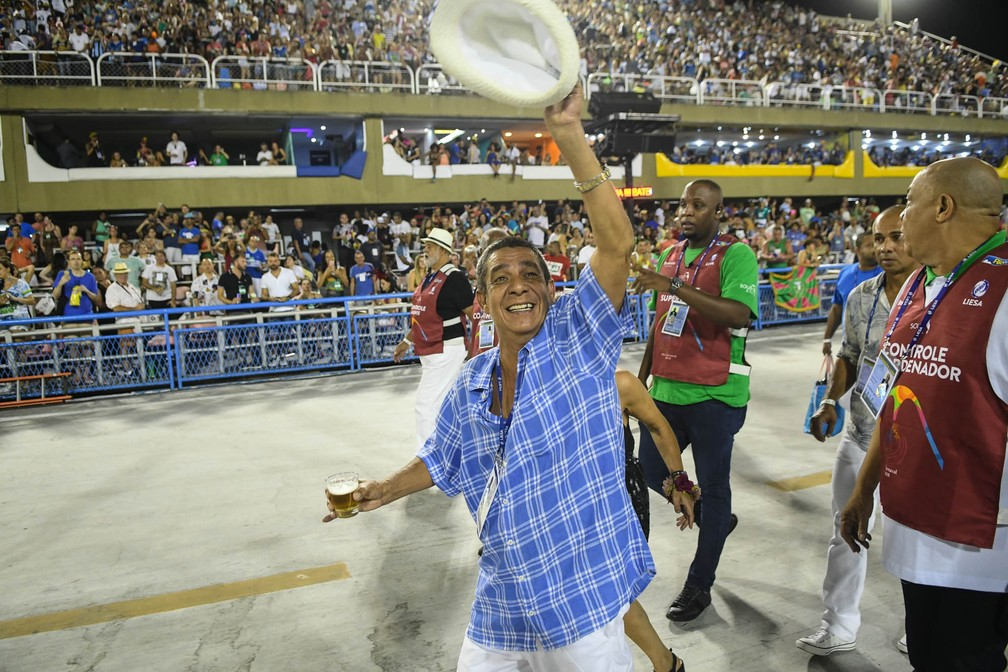 Zeca Pagodinho chega na Sapucaí para desfile da Portela (Foto: Alexandre Durão/G1)