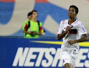 Presidente do Bahia confirma negociação, e Gabriel fica perto do Fla