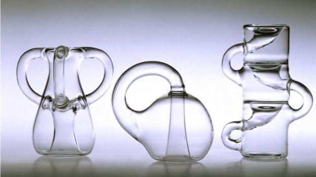 A garrafa de Klein é um objeto impossível de se construir em três dimensões (Foto: Getty Images via BBC News Brasil)