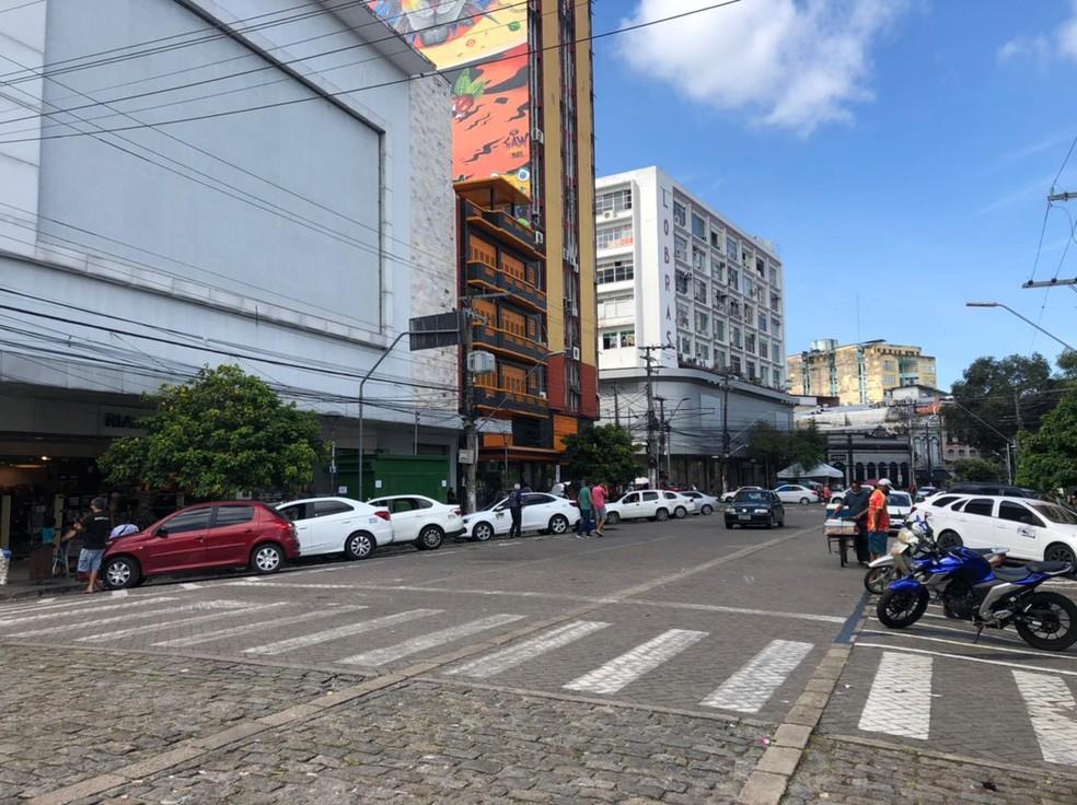 Centro de Manaus pouco movimentado, na segunda-feira, após madrugada de ataques — Foto: Matheus Castro/G1