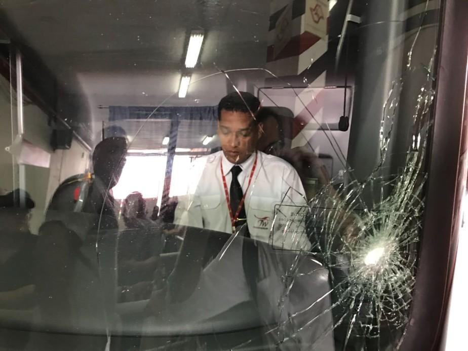 Corinthians vai pagar empresa dona do ônibus que levou pedrada