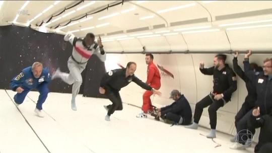 Usain Bolt corre dentro de avião em gravidade zero