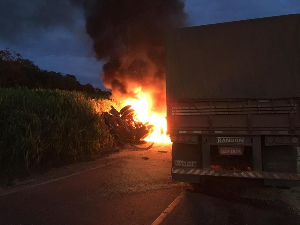 Acidente foi registrado na BR-364 em Alto Araguaia — Foto: PRF/Divulgação
