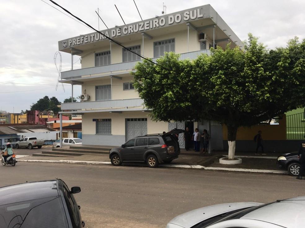 Órgãos da prefeitura de Cruzeiro do Sul são alvos de operação da PF que investiga lavagem de dinheiro — Foto: Divulgação/PF-AC