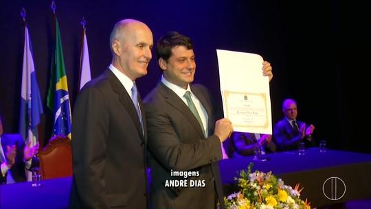 Eleitos para Prefeitura e Câmara de Petrópolis, RJ, são diplomados