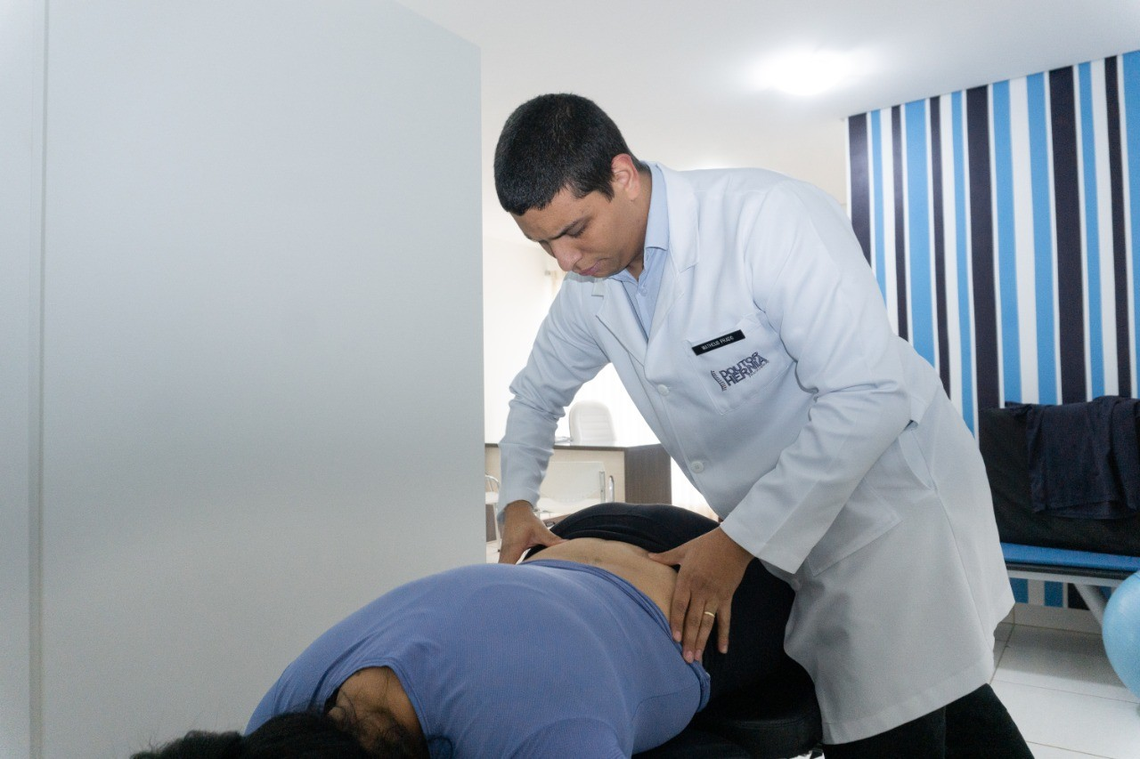 """Coluna é o """"eixo"""" do nosso corpo e pode gerar graves problemas sem tratamento"""