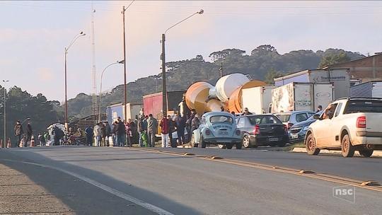 Apesar de acordo, caminhoneiros protestam nas estradas de SC; governador descarta uso de forças federais
