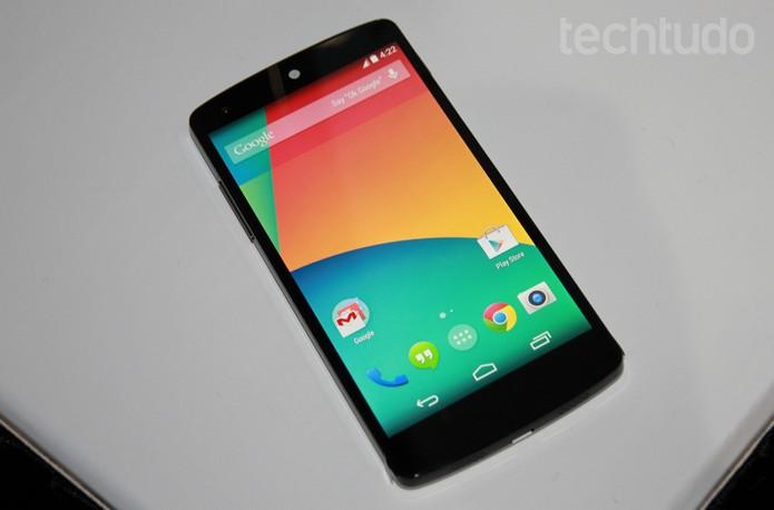 Nexus 5, o smartphone do Google com Android puro (Foto: Isadora Díaz/TechTudo)