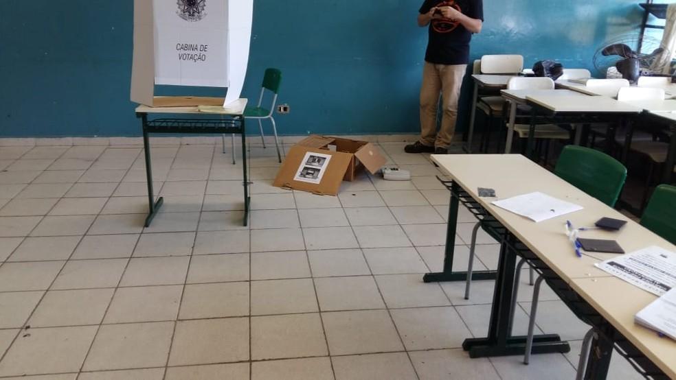Salas da 17ª seção da 271ª zona eleitoral de Sorocaba foram vandalizadas — Foto: Arquivo pessoal